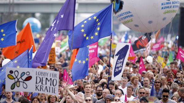 Womit Europaparteien auf Facebook Stimmung machen