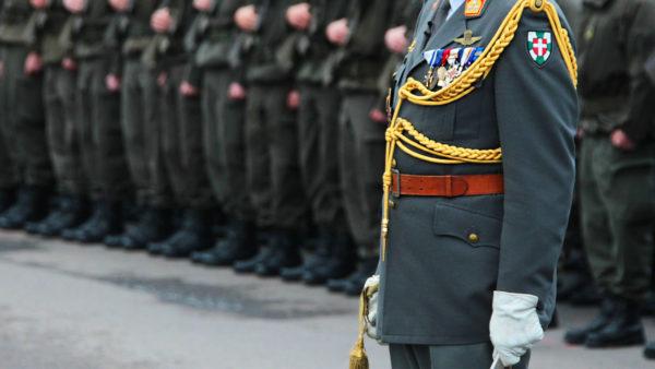 """Miliz im Heer: """"Armee und Regierung ignorieren Verfassung"""""""